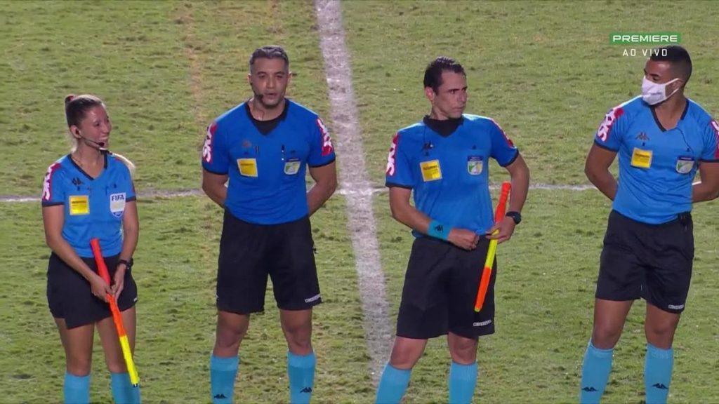 In Vasco x Vila Nova, Felipe Fernandez de Lima tells the players: 'Get used to the referees of the second division'    Vasco