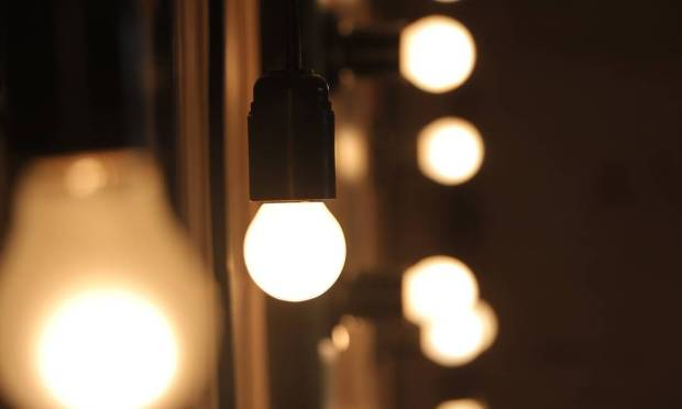 Replacing incandescent bulbs with LEDs can reduce energy consumption by 75% to 85%.  Also, these lamps last longer.  Compared with fluorescent lamps, the saving is about 40% Photo: Pixabay