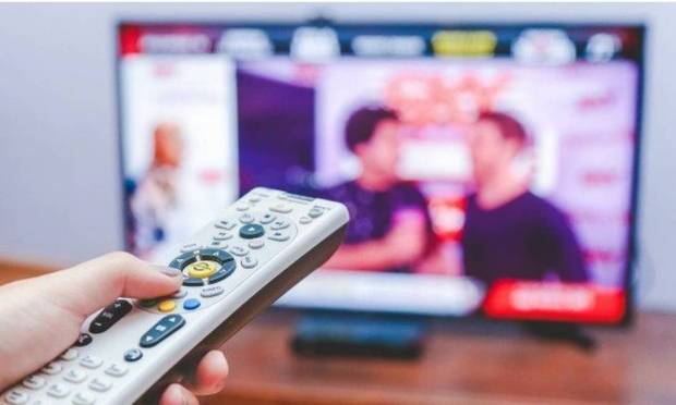 In the case of electronics, it is recommended to turn off the TV and video games when no one is using them.  Separating the devices also helps to save energy.  Photo: Archive