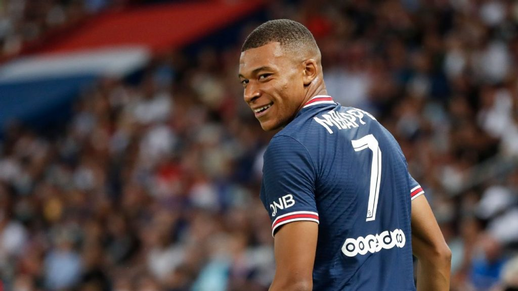 Manchester United puts Mbappe in the crossfire and joins the battle with Real Madrid for the Paris Saint-Germain star