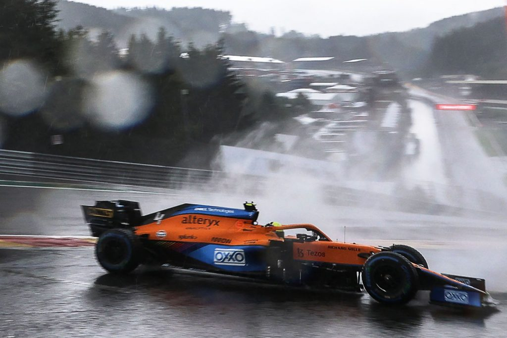 Norris loses 5 grid positions after changing gearbox