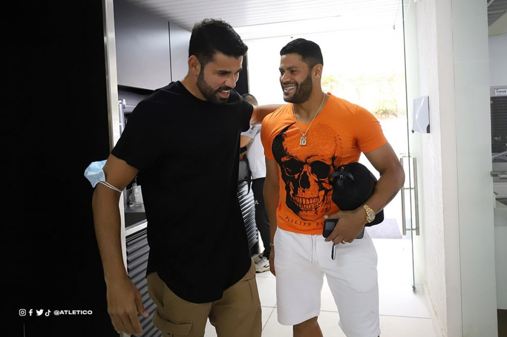 Diego Costa has his first contact with the Atlético-MG team at Cidade do Galo;  See pictures |  Athlete - mg