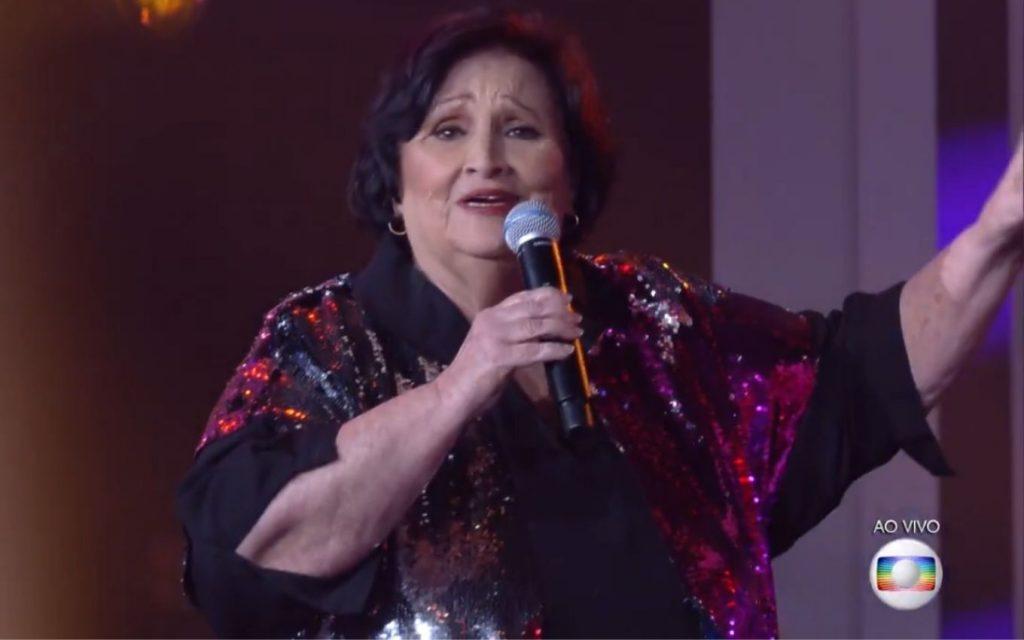 Paulo Gustavo's mother, Donna Dea impresses on Crianca Esperanca TV News