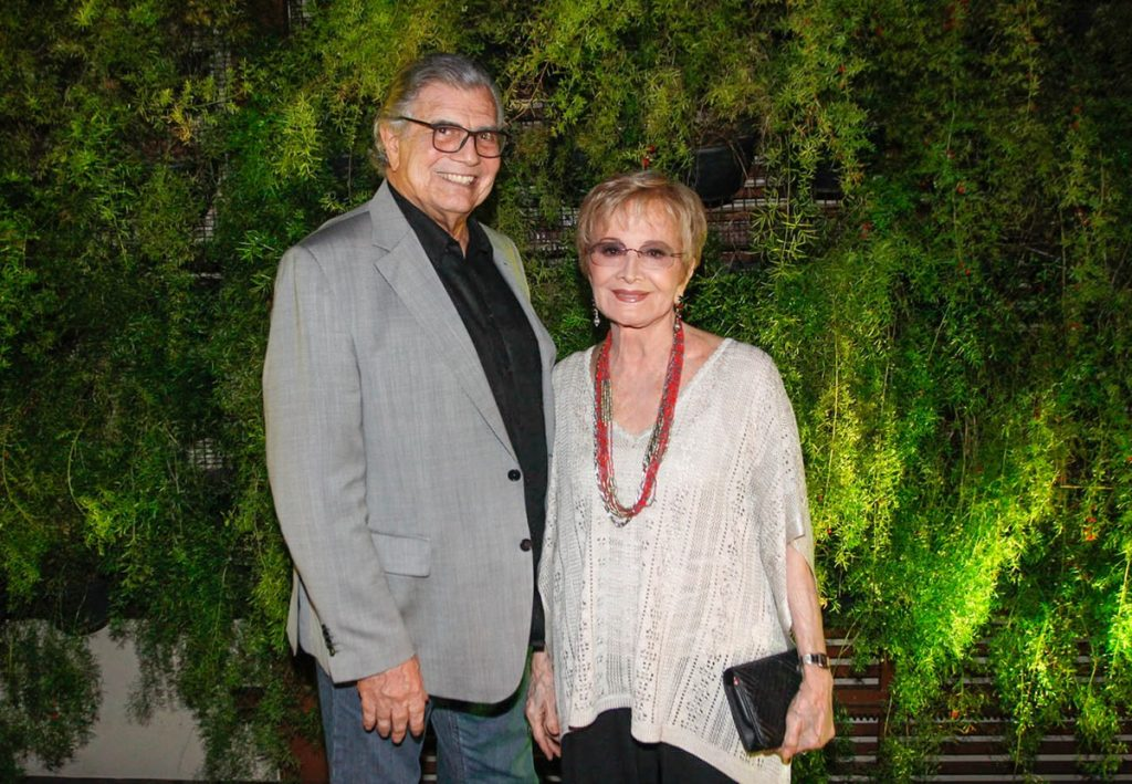 Tarcísio Meira is still intubated in the SP intensive care unit and on continuous dialysis;  Gloria Menezes recovering from Covid-19 in bed    Sao Paulo