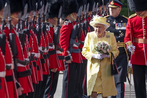 Queen Elizabeth II at the inspection by her bodyguard, June 2019 photo (Image: Getty Images)