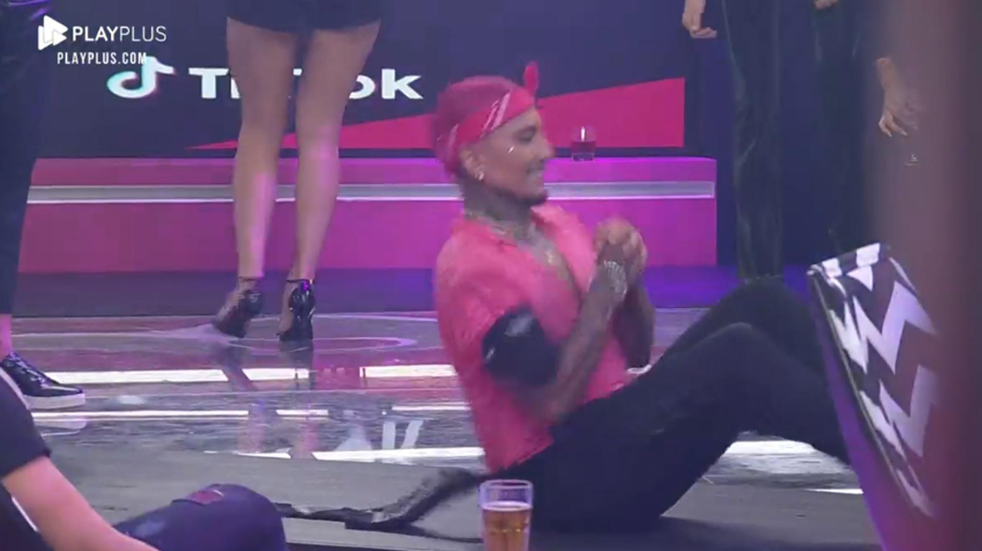 A Fazenda 2021: Dynho Alves Brings a Dance Show at the Party - clone/Playplus