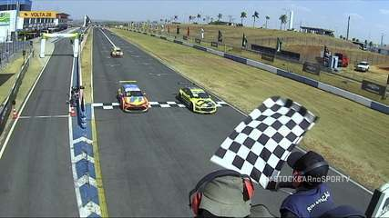 In an exciting final, Ricardo Mauricio won Race 2 in Goiânia in Stock Car