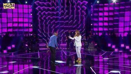 Claudia Litt and Alexandre Pires sing Barcelona