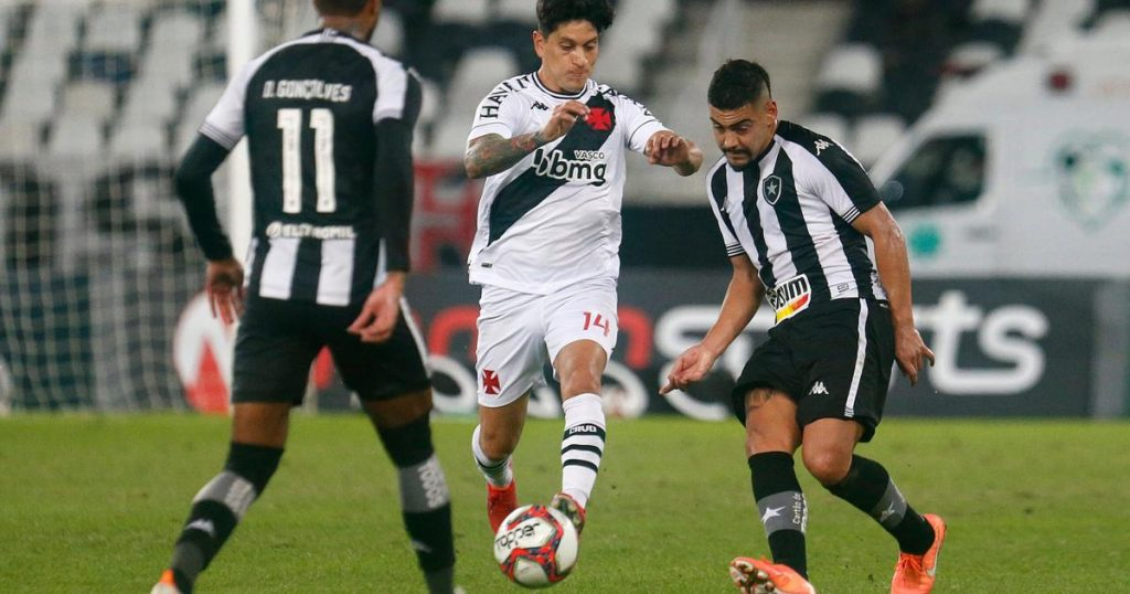Journalists compare Botafogo and Vasco in Serie B and see Alvenegro cast 'much worse'