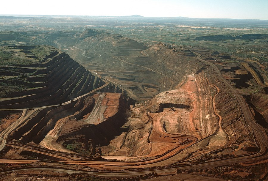With the 'perfect storm' for ore, Vale is losing space and analysts point to more opportunities in the steelmaking business