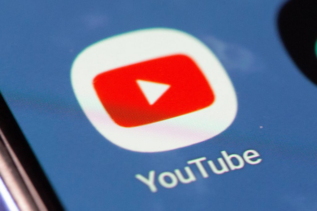 YouTube Tightens Actions Against COVID-19 Anti-vaccination Videos - 09/29/2021 - Balance and Health