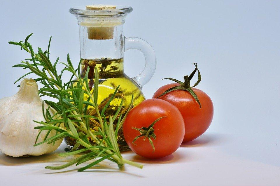 olive oil tomato garlic rosemary