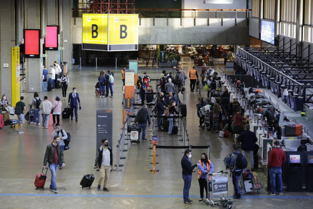 are you travailing?  Overseas tickets are still up to 28% cheaper than in 2019, but domestic flights are up |  Economie